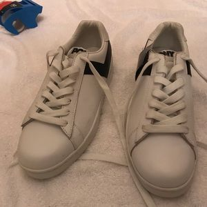 New pony mens shoes size 9